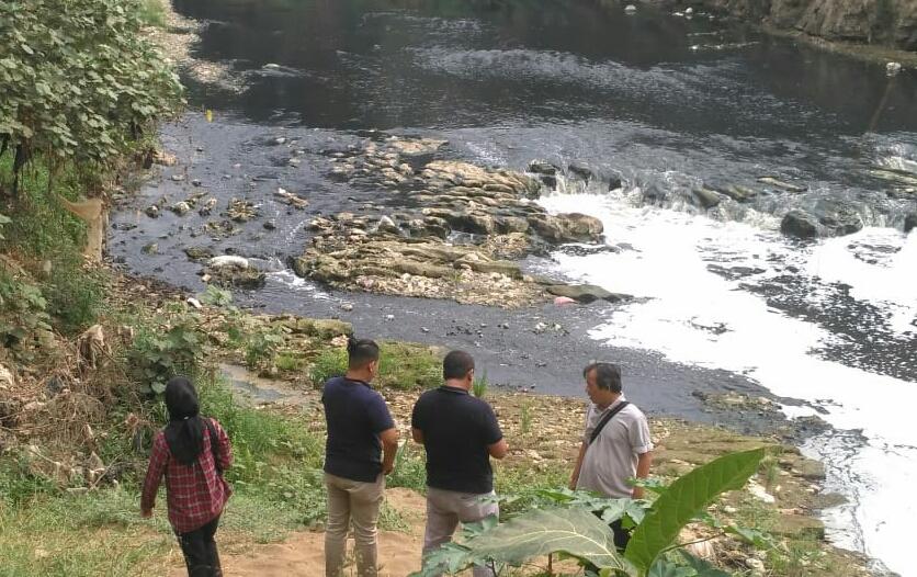 Photo of Pengaruhi Sumber Air Baku, Pencemaran Sungai Cileungsi Harus Dipidanakan