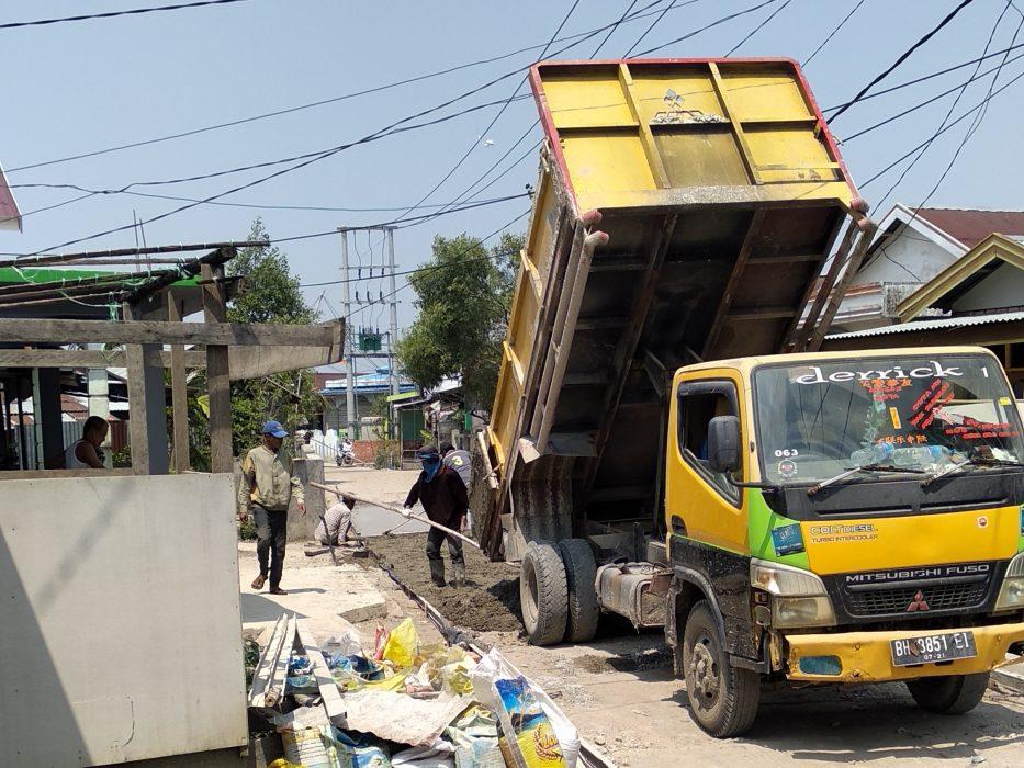 Photo of Pelaksanaan Proyek Rigid Beton Kelurahan Kampung Nelayan Mulai Berpolemik