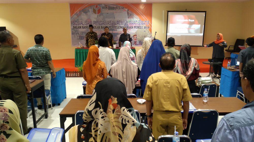 Photo of Sulit Buktikan Pelanggaran Pemilu, Bawaslu Tanjab Barat Ajak Masyarakat Parsitipatif