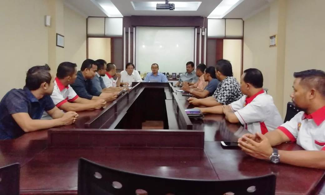 Photo of Pedagang Mie Ayam dan Bakso Tantang Anggota Dewan