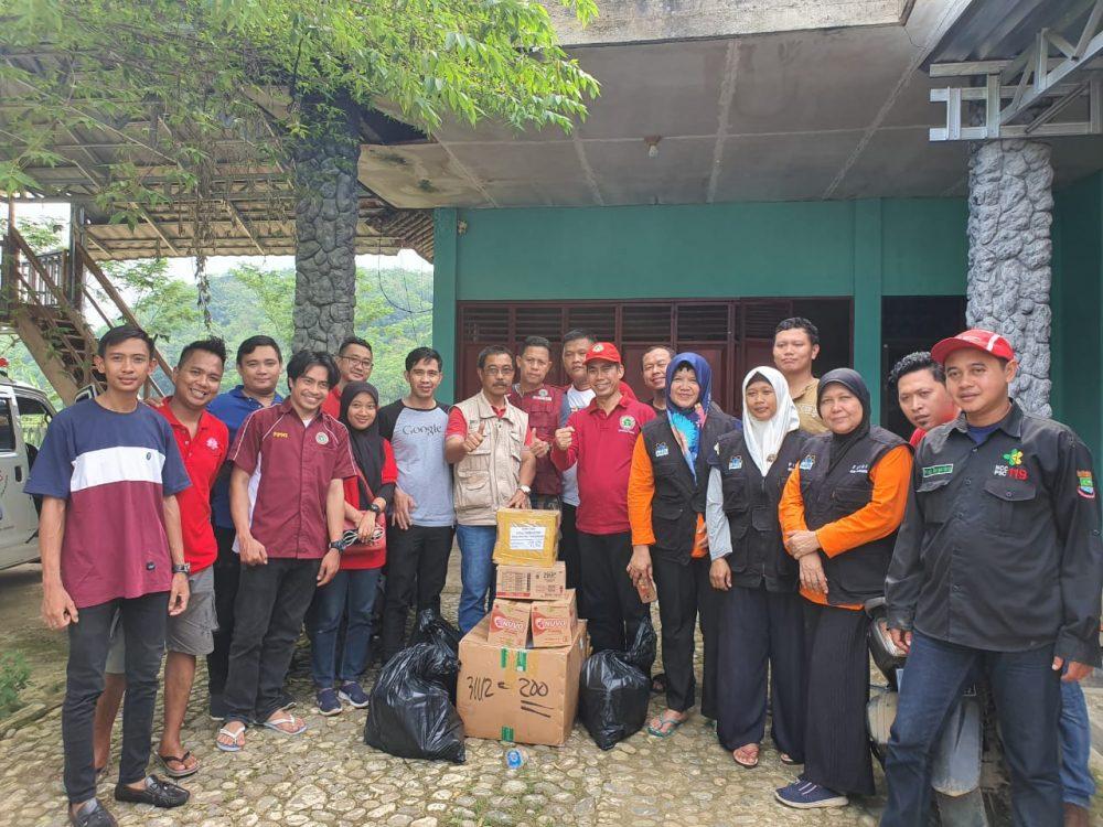 Photo of PPNI dan Anggota Dewan Terjun Bantu Korban Banjir