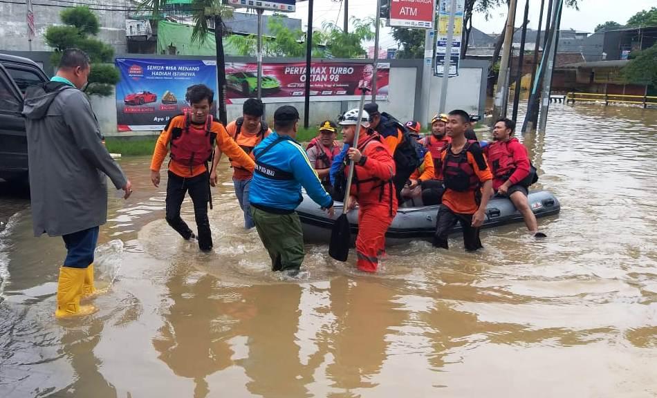Photo of Data BPBD Kota Bekasi: Ada 90 Titik Banjir, 391 Sekolah Terendam