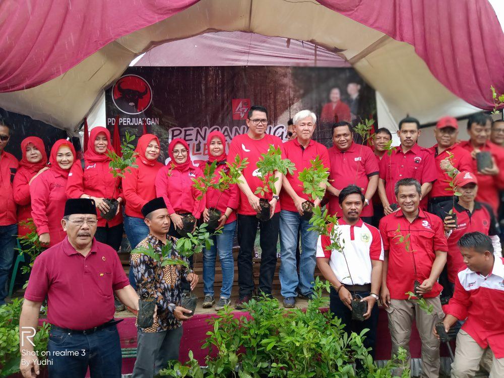 Photo of Rayakan Ulang Tahun, DPC PDI Perjuangan Bogor Tanam 1000 Pohon