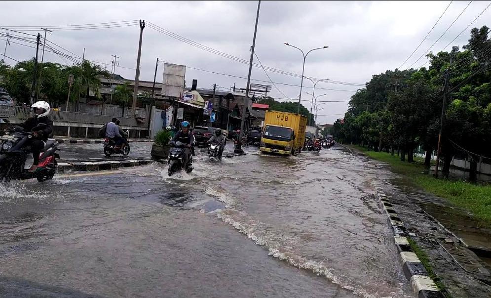 Photo of Mulai Hari Ini hingga 2 Maret Bekasi Berstatus Tanggap Darurat Banjir