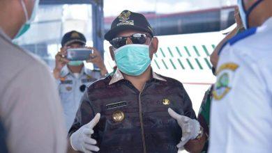 Photo of Cegah Covid-19, Bupati Bekasi Pimpin Penyemprotan Disinfektan