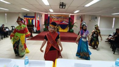 Photo of Perkenalkan Seni Budaya Indonesia, Pelajar Bekasi Menari di Filipina