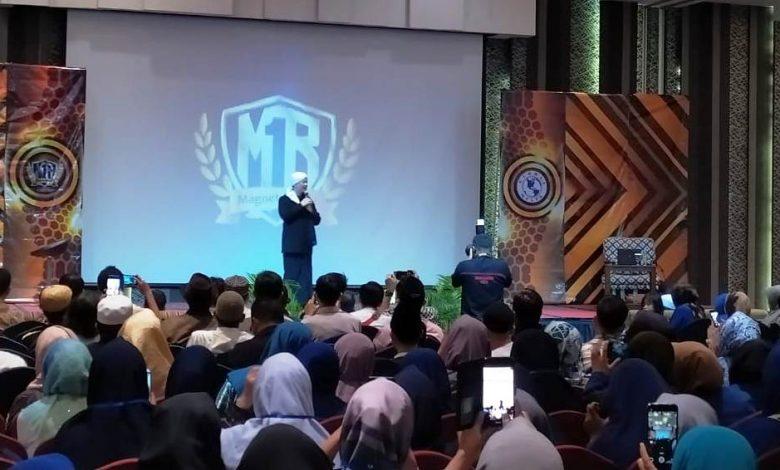 Ribuan Peserta Hadiri Mega Seminar Magnet Rezeki di Cikarang