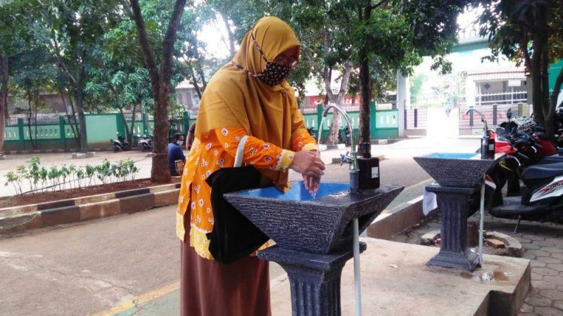 Protokol kesehatan di SMKN 2 Kota Bekasi.