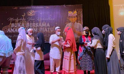 Putera Puteri Cilik Indonesia Berbagi Kasih dengan Anak Yatim Piatu