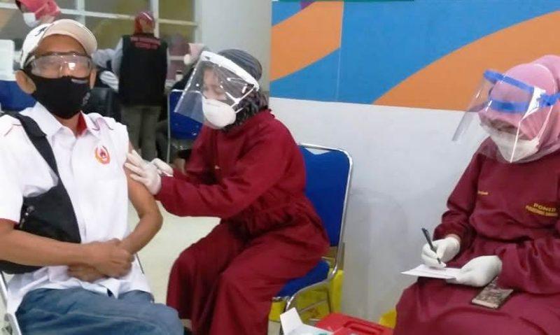 Vaksinasi Covid-19 KONI Kabupaten Bekasi.