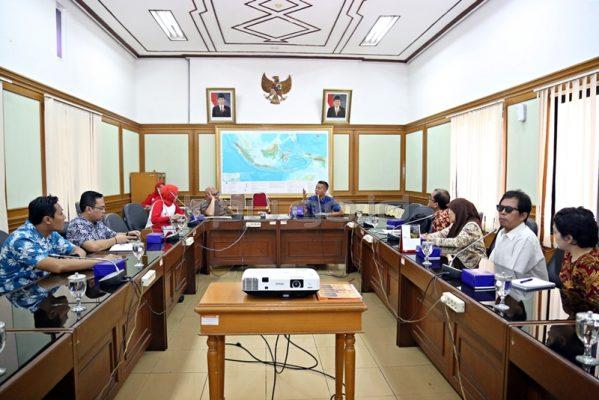 Photo of Bukan Jargon Semata, KPU Dorong Pemilihan Inklusif