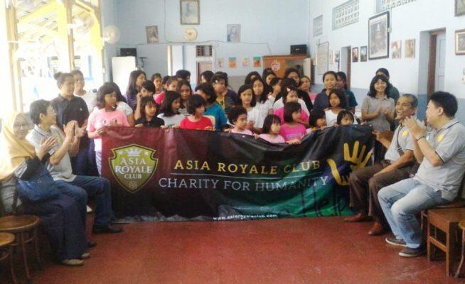 Photo of Berbagi Bisnis dan Amal, Asia Royale Club Berikan Bantuan ke Panti di Jakarta