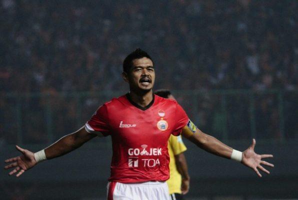 Photo of Dua Gol Bambang Pamungkas Lumpuhkan Semen Padang