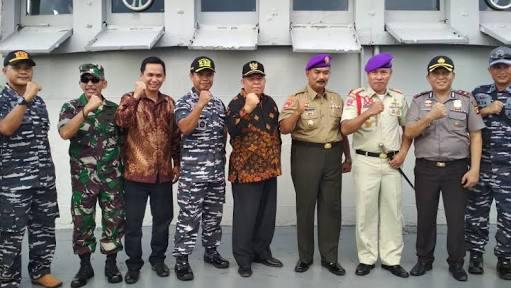 Photo of Bupati Safrial Lepas Peserta Muhibah Maritim