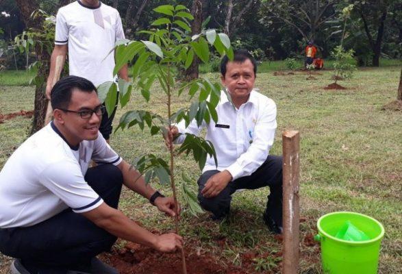Photo of Hotel Aston Imperial Bekasi Berikan CSR 300 Bibit Pohon