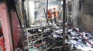 Diduga Akibat Kebocoran Gas, Tiga Toko Hangus Terbakar