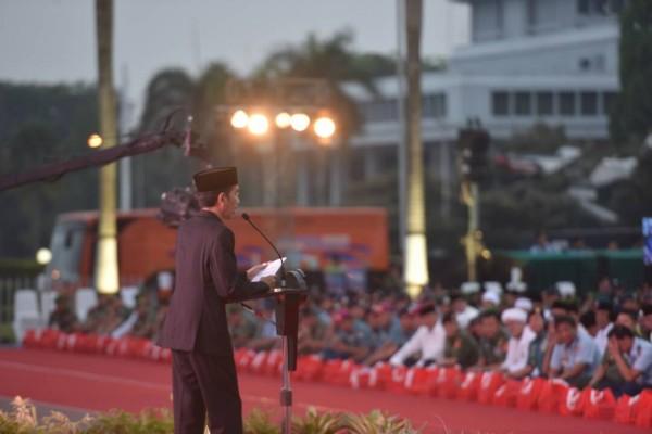Photo of Jokowi: TNI dan Rakyat Seperti Air dan Ikan,Tak Bisa Dipisahkan
