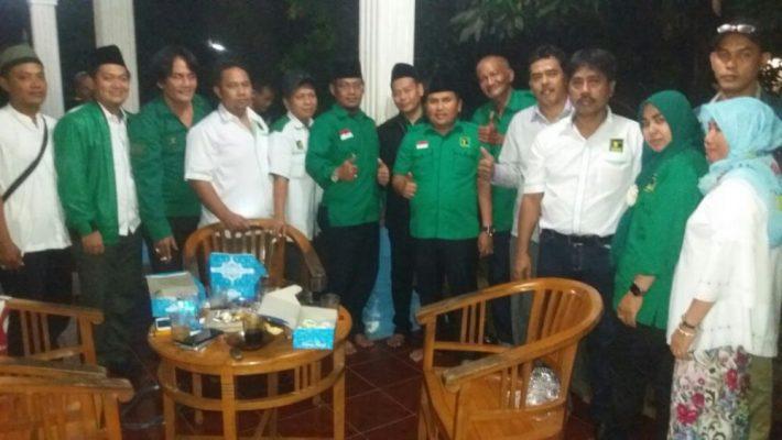 Photo of Gus Shol Rajin Sambangi Warga Kota Bekasi, Ada Apa?