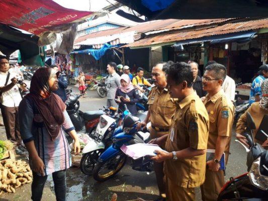 Photo of Wabup Amir Sakib Sidak Sembako Di Pasar Tradisional
