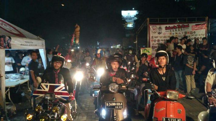 Photo of Pererat Tali Silaturahmi, Sahur On The Road Vespa Bekasi Berbagi