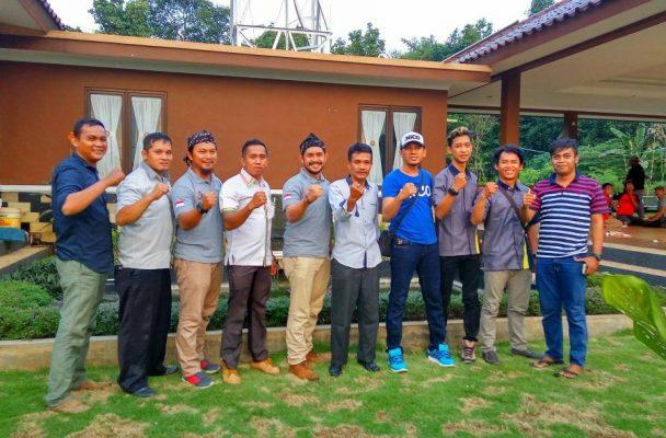 Photo of Kumpulkan Suara Pemuda 7 Kecamatan, Baday Dukung Ade Yasin