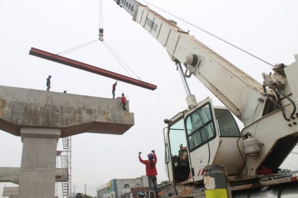 Photo of H-10 Lebaran, Pengerjaan Tol Becakayu Harus Dihentikan Sementara