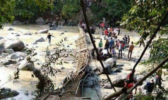 Jembatan Gantung Wisata Rusa Tanjungsari Bogor