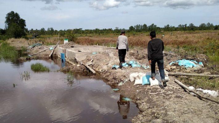 Photo of Khawatir Banjir, Warga Minta Perbaikan Tanggul Sungai