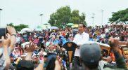 Makan Bakso di Cikarang, Jokowi, Harga Stabil Jangan Dibolak-balik
