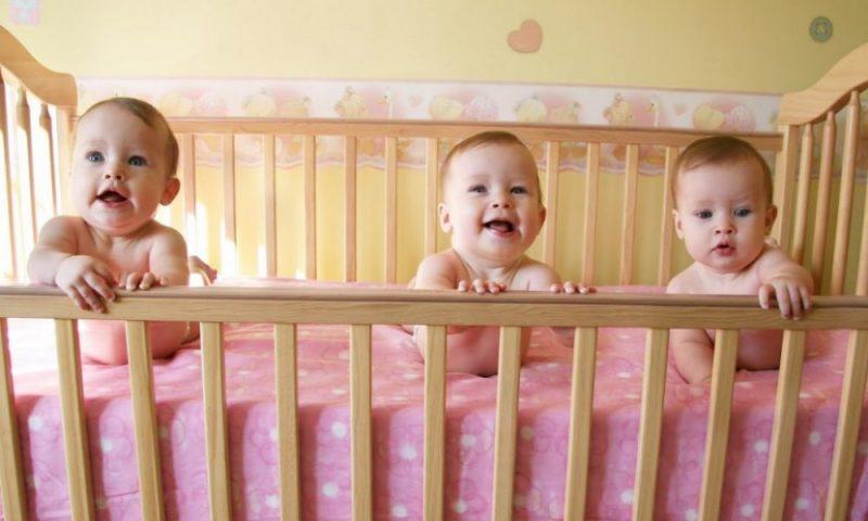 Lebih dari 696.000 bayi lahir di Inggris dan Wales pada 2016. Foto: Alamy Stock Photo