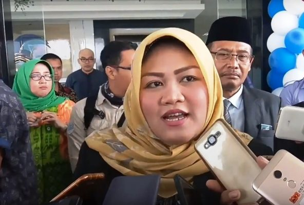 Photo of Bupati Bekasi Neneng Hasanah Yasin Menggebu-gebu Ingin Cepat Pisah