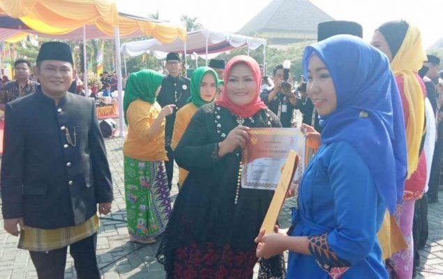 Photo of Usia 68 Tahun, Kabupaten Bekasi Pertahankan Permainan Tradisional