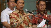 Menteri Koordinator (Menko) Bidang Politik, Hukum, dan Keamanan (Polhukam) Wiranto memberikan keterangan pers, Rabu (12/7/2017). Foto: setkab