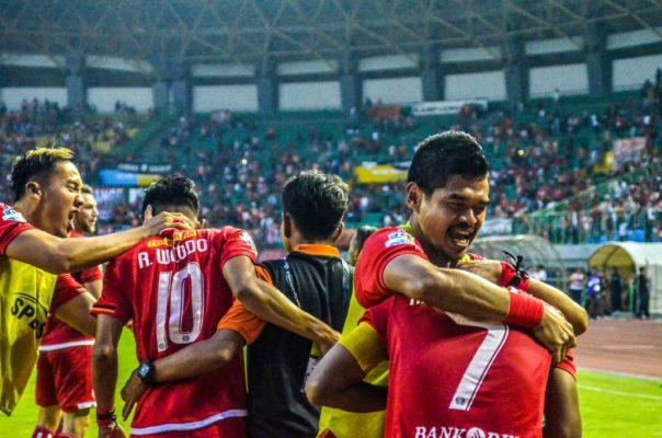Photo of Persija Kalahkan Perseru Serui 2-1, Satu Gol Buah Penalty