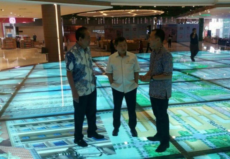 Tokoh politik nasional Suharso Manoarfa saat berkunjung ke Meikarta, Cikarang, Kabupaten Bekasi, Jawa Barat, Kamis (12/10/2017). Foto: abd / suarapena.com