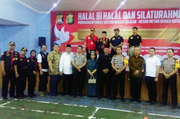 Photo of Jalin Keakraban, Pokdarkamtibmas Bekasi Selatan Helat Halal Bihalal
