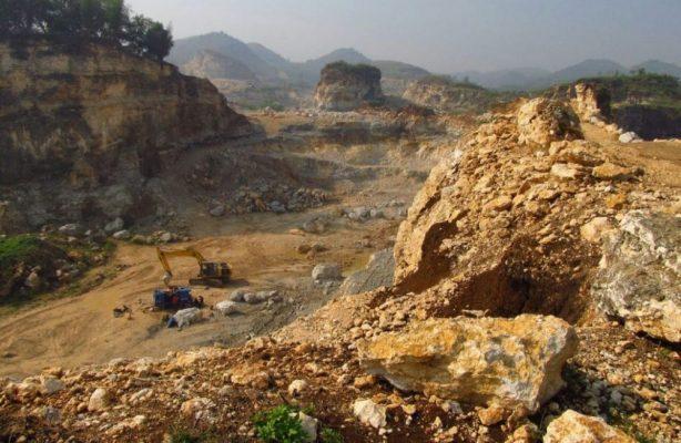 Photo of Walhi Minta Pemprov Jabar Tutup Tambang Batu Kapur Ilegal di Bogor