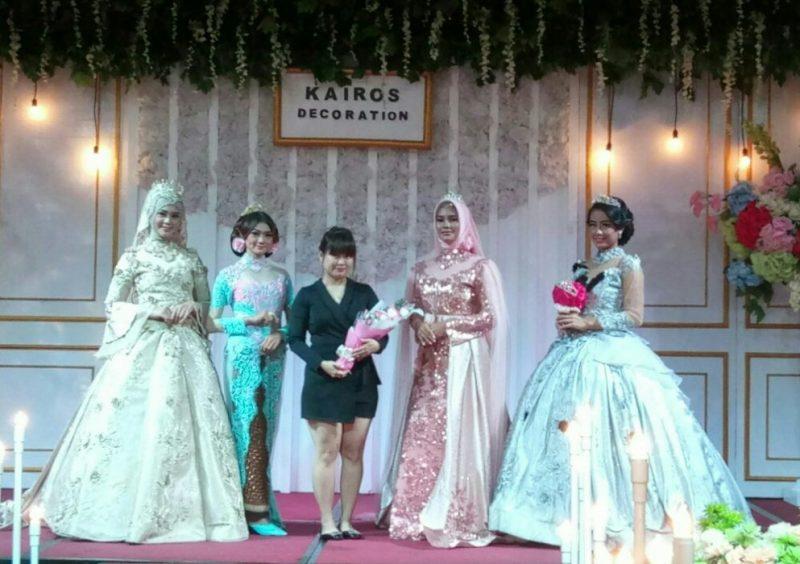 Para model berfoto bersama dalam acara Wedding Fair di Hotel Holiday Inn,  Jababeka, Jumat (25/1/2019).