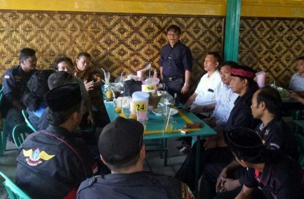 Photo of Calon Bupati Bogor Ade Yasin Dapatkan Dukungan dari Keluarga Besar Banten