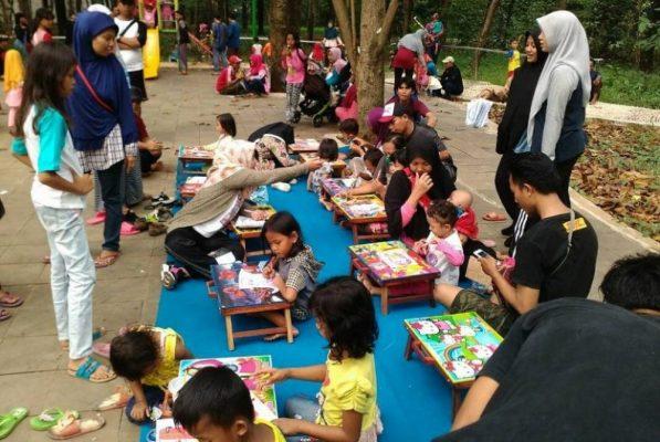 Photo of Literasi, Cara Forum Anak di Bekasi Tanamkan Budaya Membaca Sejak Dini